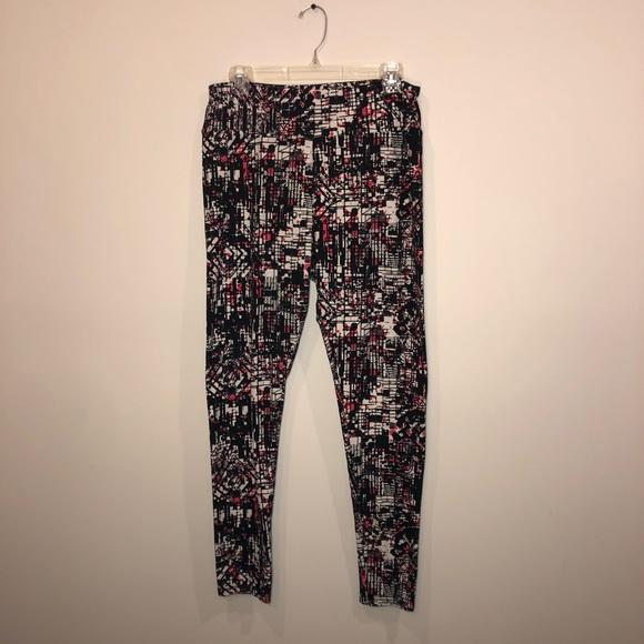 LuLaRoe Pants - LuLaRoe Tall&Curvy Leggings